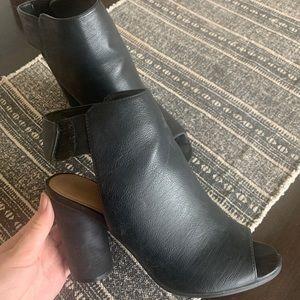 Call it Spring round block heels size 9
